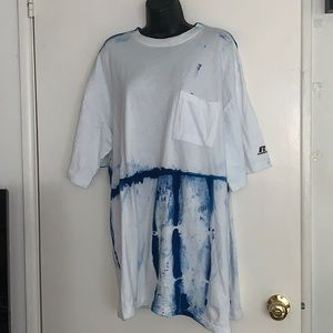 RUSSELL XLT Blue and White Tie Dye T-Shirt Flaw